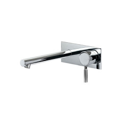 TOLE.01-2Q160_Tole Wall Mixer 160mm Spout Rectangular Backplate_WEB