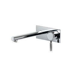TOLE.01-2Q220_Tole Wall Mixer 220mm Spout Rectangular Backplate_WEB